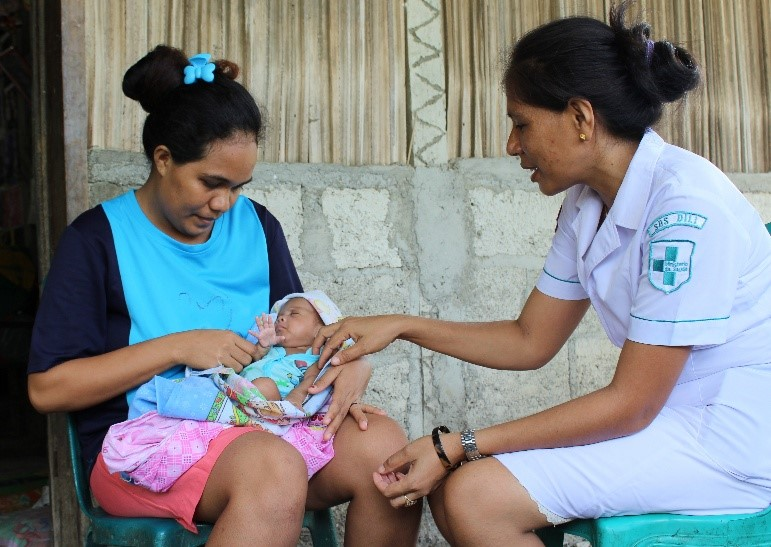 Midwife Successfully Resuscitated a 1 Kg Preemie:  Saving the Lives of Newborns through follow-up after training